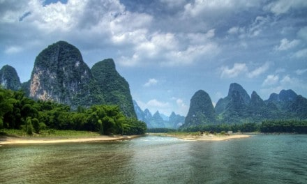 Otherworldly Landscape : Guilin, China